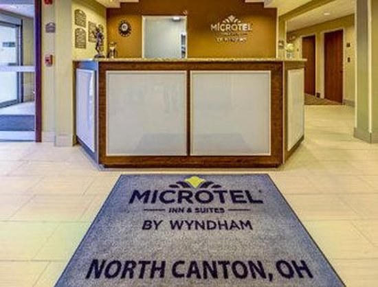 Microtel Inn & Suites by Wyndham North Canton: Lobby