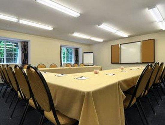 Microtel Inn & Suites by Wyndham Bremen: Meeting Room