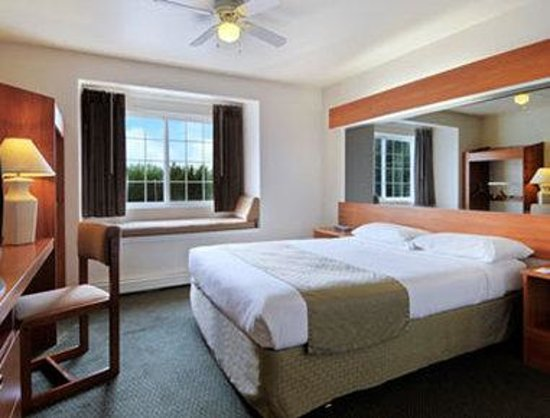 Microtel Inn & Suites by Wyndham Eagle River/Anchorage Are: Standard Double Bed Room