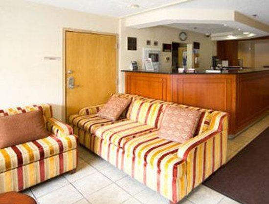 Knights Inn & Suites Allentown : Lobby