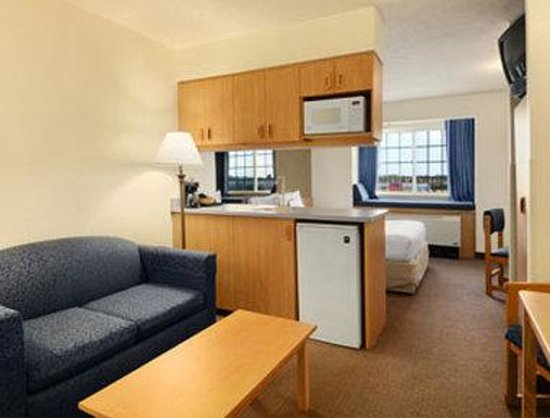 Microtel Inn & Suites by Wyndham Anchorage Airport: Junior Suite
