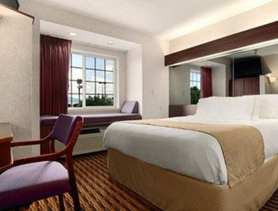Microtel Inn by Wyndham Murfreesboro: Standard Queen Bed Room