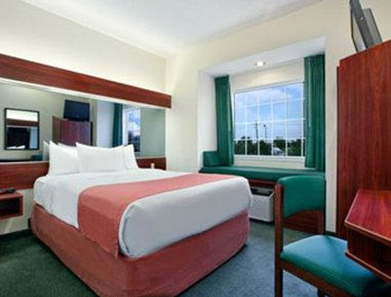 Microtel Inn & Suites by Wyndham Baton Rouge I-10 : Standard Queen Bed Room