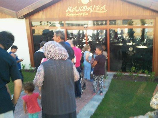 Ramada Resort Akbuk: restaurant girişi