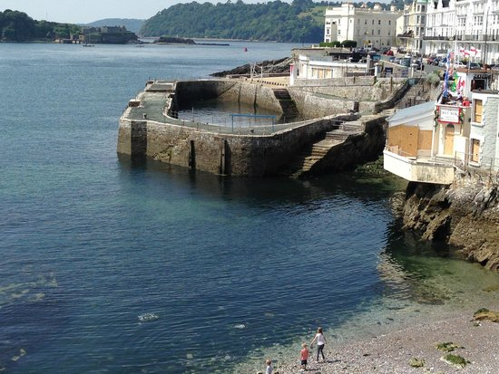 Plymouth Hoe: Plymouth wharf still used by anglers