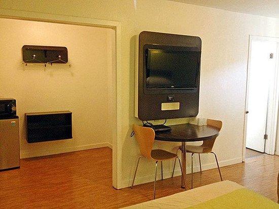 Motel 6 San Rafael: In Room Amenities