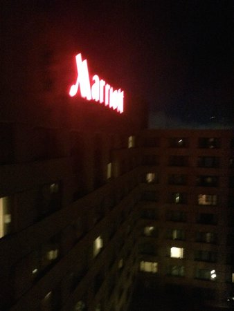 San Francisco Airport Marriott Waterfront: Not a lot of privacy between your neighbors