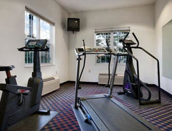 Microtel Inn & Suites by Wyndham Fond Du Lac: Fitness Center