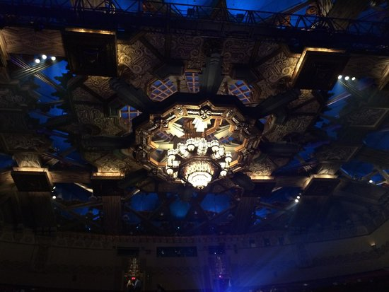 Pantages Theatre: The chandelier on roof