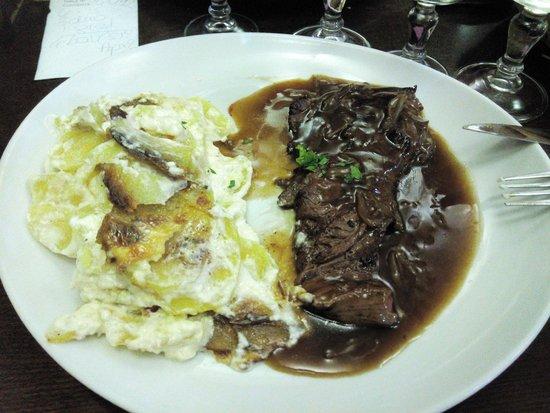 Le Laurencin : Carne con patate e cipolle