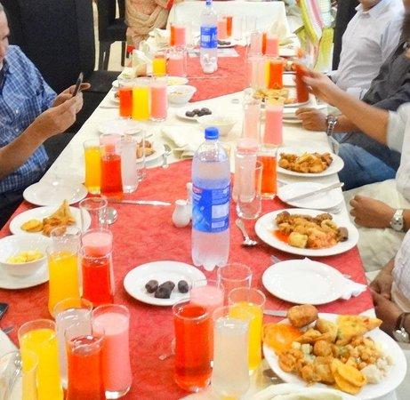 IFTAR SOFT DRINKS & PAKORAS - Picture of Saeed Village Restaurant ...
