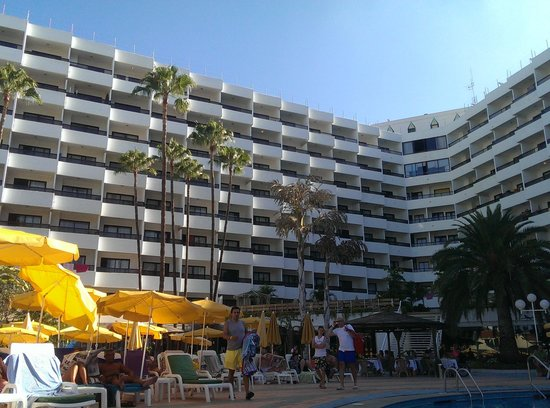 Hotel Eugenia Victoria: View from the pool