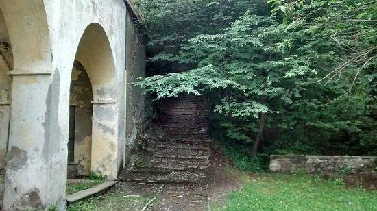 Holidays in Gittana: The beautiful path to church in Gittana