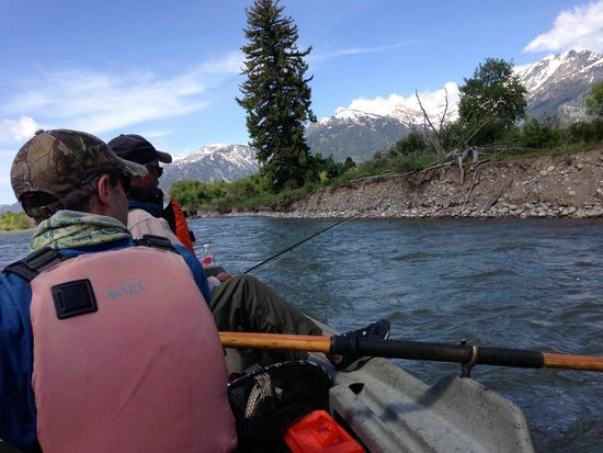 Snake River Angler & Scenic Float Trips: Big dry flies