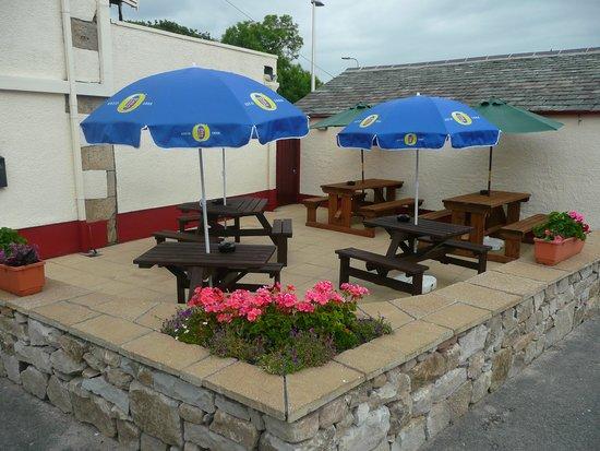 The Old Ginn House Restaurant & Bar: Beer Garden / Patio