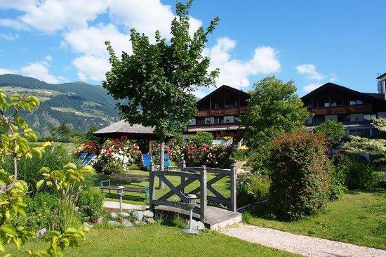 Garberhof Beauty & Wellness Resort: Hotel Garberhof Garten