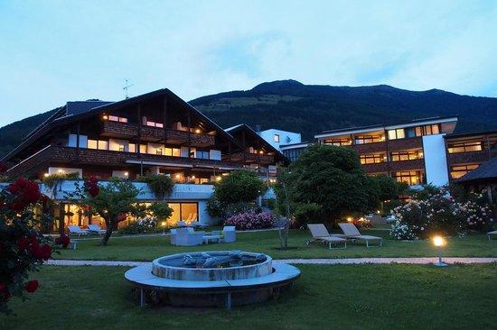 Garberhof Beauty & Wellness Resort: Hotel Garberhof zur Blauen Stunde