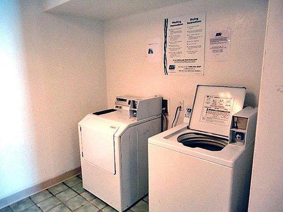Motel 6 Washington DC - Capital Heights: Laundry