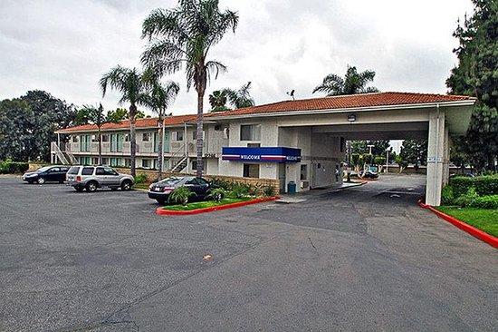 Motel 6 Chino