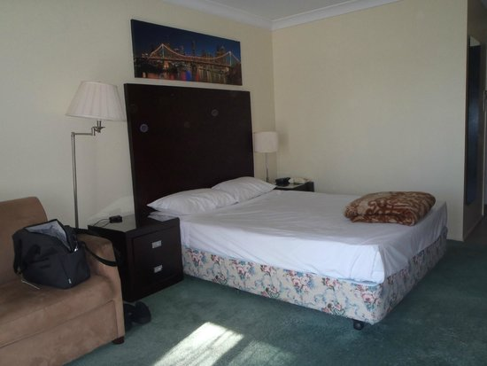 Centenary Motor Inn : Interior of a Standard Room