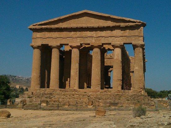 Valley of the Temples (Valle dei Templi): Temple of Concordia