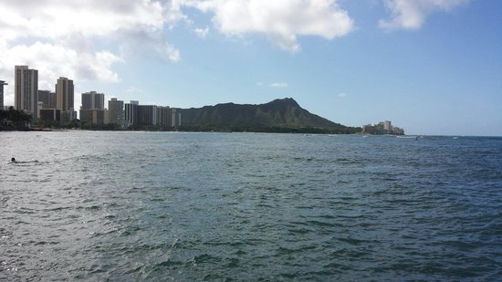 The Royal Hawaiian, a Luxury Collection Resort: View of Diamond Head walking back to hotel