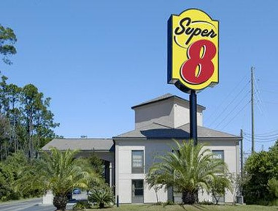 Super 8 Diberville Biloxi Area: Welcome to the Super 8 Diberville