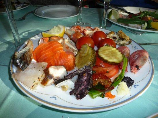 Hotel Ullensvang: Buffet dinner