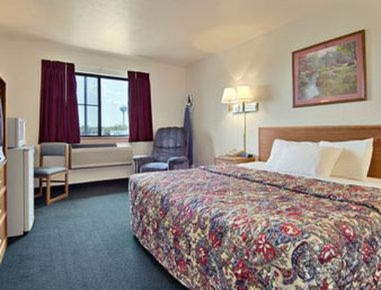 Super 8 Antigo : Deluxe King Room