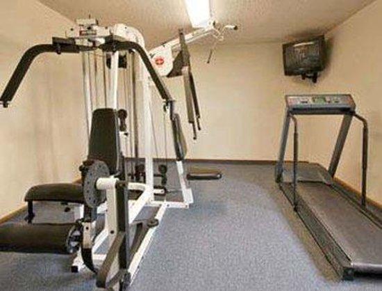 Super 8 Keokuk: Fitness Center
