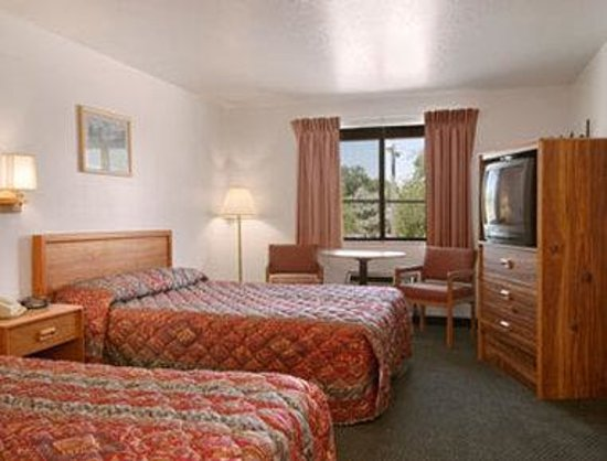 Super 8 Ogden: Standard Two Double Bed Room