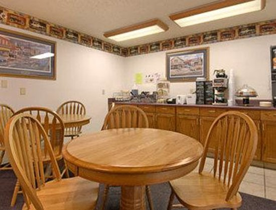 Super 8 Murdo : Breakfast Area
