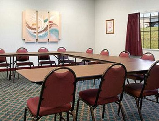 Super 8 Monett : Meeting Room