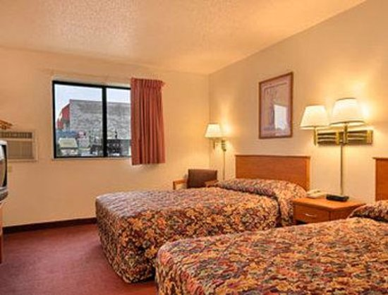 Super 8 Dumfries/Quantico: Two Double Bed Room
