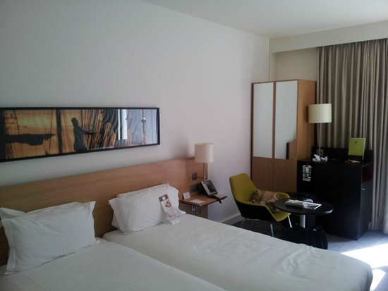 DoubleTree by Hilton Hotel Amsterdam Centraal Station: cama