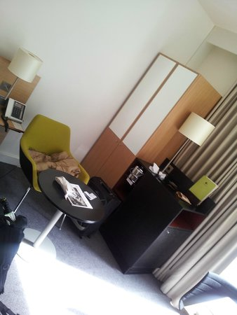 DoubleTree by Hilton Hotel Amsterdam Centraal Station: estar