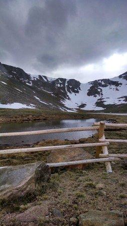 Mount Evans : Partially frozen in late June.