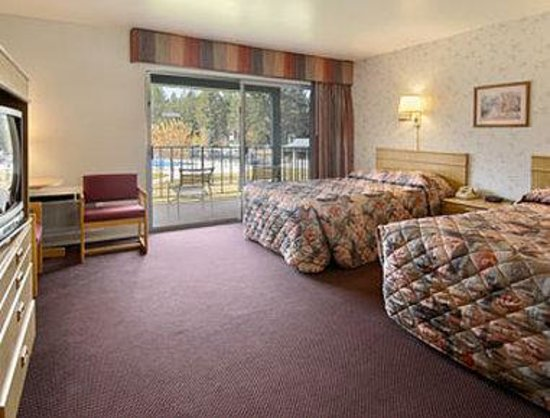 Knights Inn South Lake Tahoe : Standard Two Double Bed Room