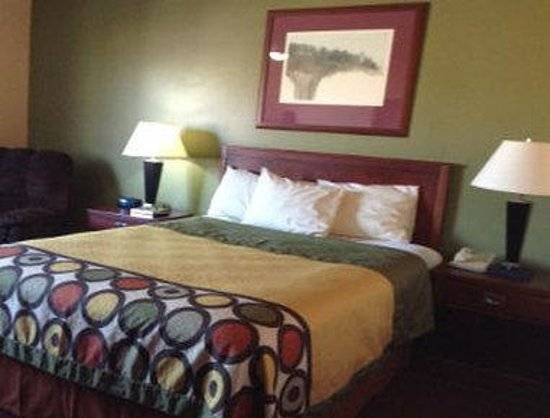 Rock Valley, IA: One Bed Room