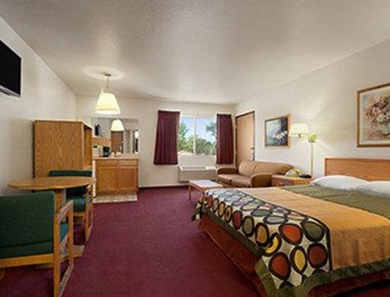 Super 8 Austin North/University Area: Suite