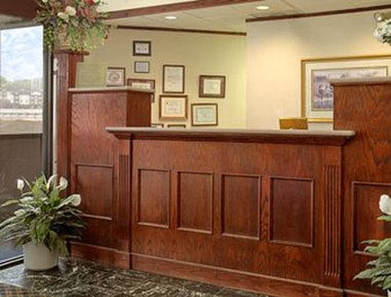 Travelodge Knoxville West: Lobby