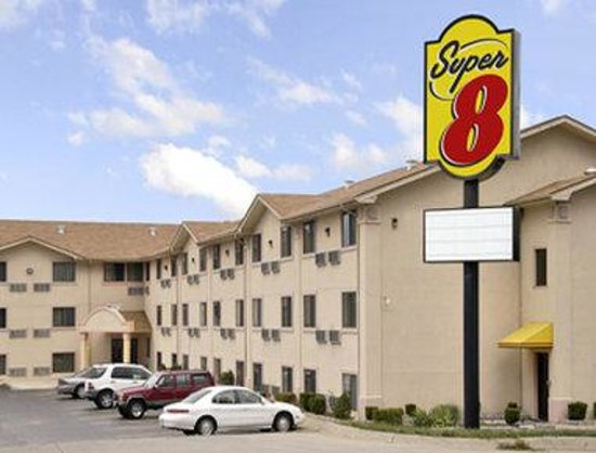 Super 8 Bridgeton/arpt/st Louis Area: Welcome to the Super 8 BridgetonArptSt Louis Are