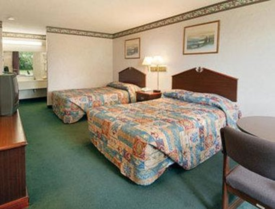 Super 8 Gaffney: Standard Two Double Bed Room