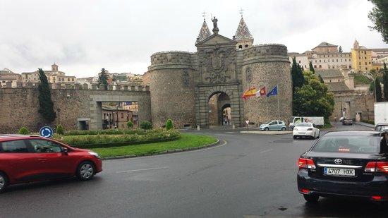 Hacienda del Cardenal : Nearby city gate