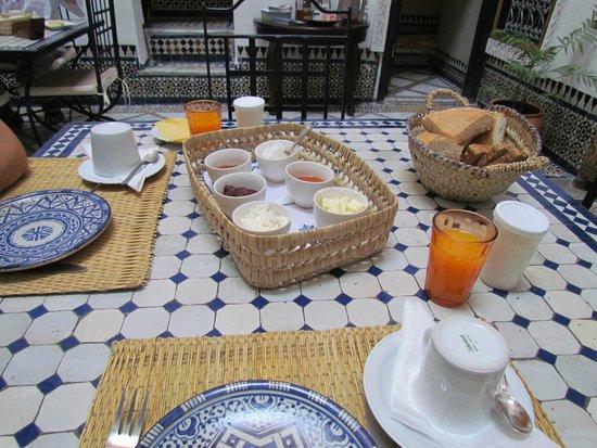 Dar el Bali: breakfast