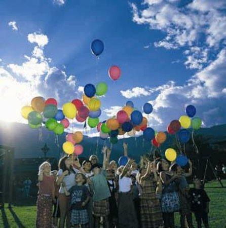 Hotel Lerch : Kinder mit Luftballon