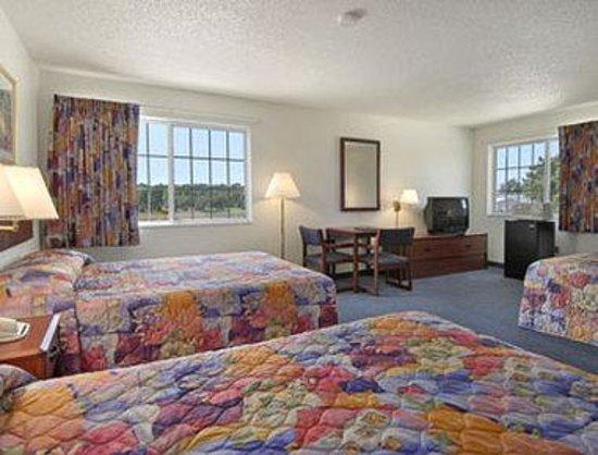 อีดาโกรฟ, ไอโอวา: Three Queen Bed Suite
