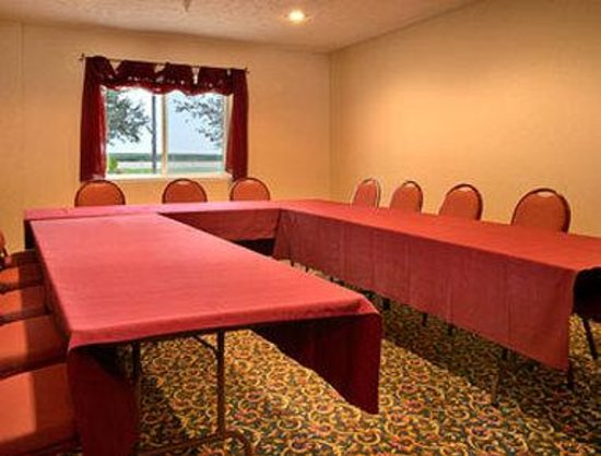 Super 8 EL Paso IL: Meeting Room