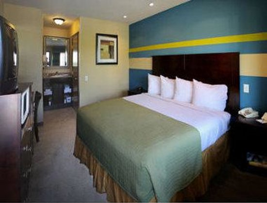 Travelodge San Ysidro: Deluxe King Room