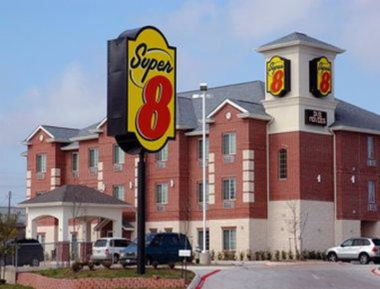Super 8 Austin/Airport South: Welcome to Super 8 Austin